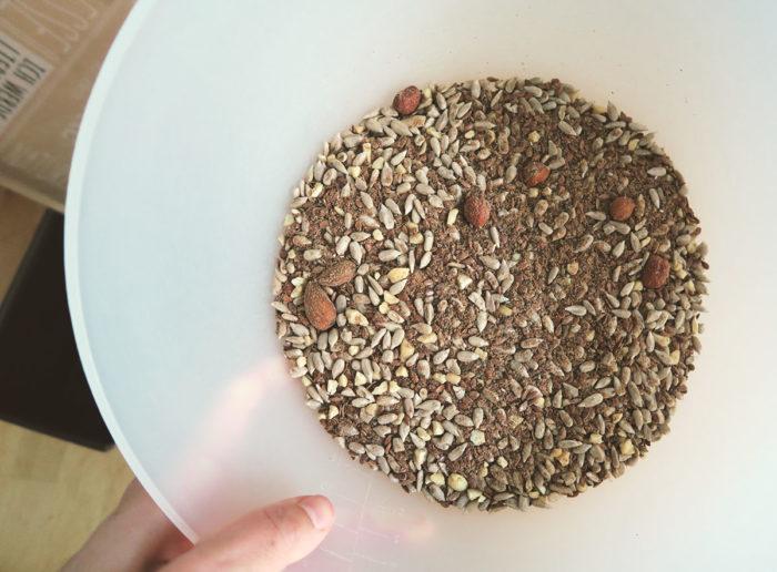 Gesunde glutenfreie Brotbackmischung von Dankebitte Rohform Inhalt Paleo Brot