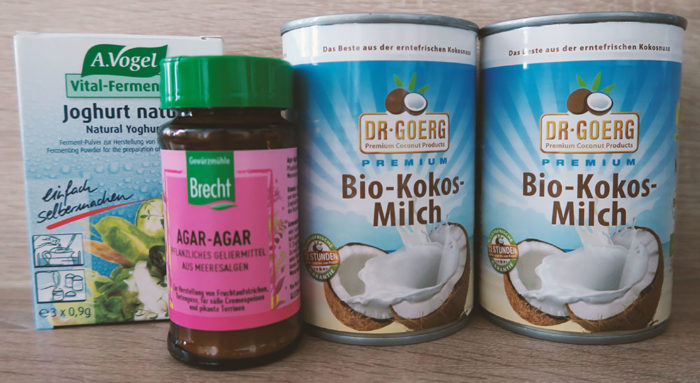 Zutaten, um Kokosjoghurt selber zu machen