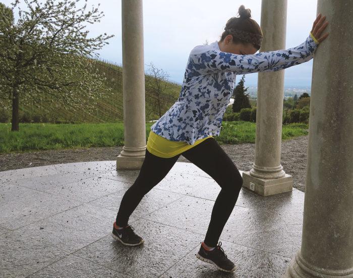 Röhnisch Damen Dorit Run Top blau/weiß, Sporthose Fabletics, Schuhe Nike Free
