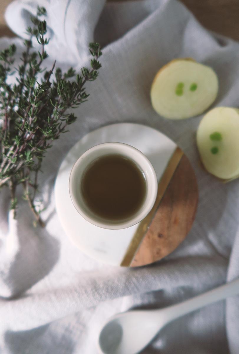 Hausmittel | DIY Hustensaft selber machen: Zwiebel-Thymian-Hustensaft mit Xylit - zahnfreundlich für Kleinkinder, Kinder und Erwachsene