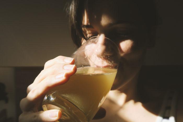 Einfach & schnell Energy Drink selber machen mit natürlichem Koffein aus Guarana & Matcha