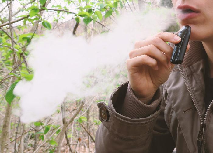 Wie kann man CBD rauchen? Erfahrungen mit CBD Liquids zum Dampfen