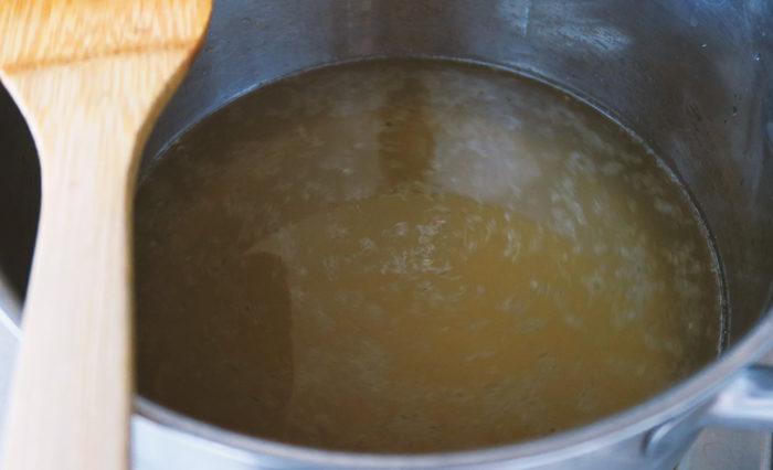 Letzter Schritt: Fertigen Pfefferminzsirup aufkochen & danach abfüllen